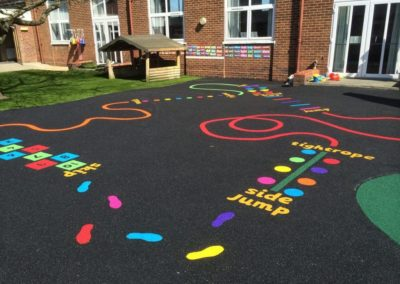 wet-pour-rubber-playground-with-inset-playground-marking